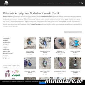 Biżuteria autorska Kamyki Moniki powstaje z miłości do natury i piękna. Biżuteria Kamyki Moniki projektowana jest i tworzona w pojedynczych egzemplarzach, nie znajdziesz tam dwóch identycznych srebrnych dodatków. Jeśli szukasz unikatowej i designerskiej biżuterii, to zajrzyj do sklepu internetowego Kamyki Moniki.  Wyróżnij się pięknem prawdziwych kamieni. W kolekcji znajdziesz pierścionki srebrne z naturalnymi kamieniami, wisiory, bransolety z bursztynu i nie tylko, kolczyki, naszyjniki i inne dodatki hand made. Kamienie takie jak czaroit, labradoryt czy kamienie księżycowe sprowadzam z najlepszych źródeł z całego świata.   Wyróżnij się dzięki unikatowej biżuterii autorskiej, podkreśl swoją indywidualność i piękną osobowość.